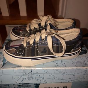 Never been worn boys size 9M Navy Sperrys!
